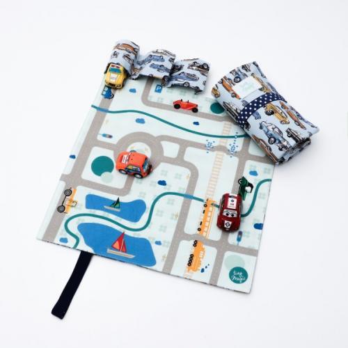 Set joaca cu 3 masinute si covoras Tiny Magic portabil - Jucarii copilasi - Arta indemanare