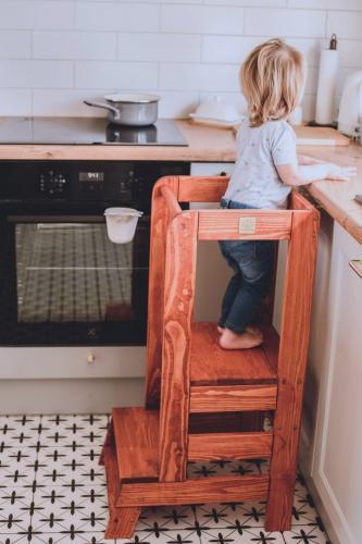 Turn de invatare ajustabil learning tower - ajutor de bucatarie meowbaby® - lemn maro deschis - tec - Camera bebelusului - Mobilier bebe